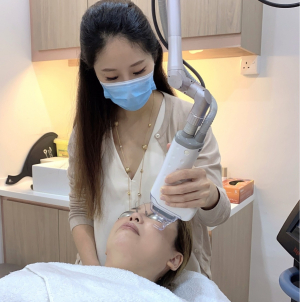 How To Get Acne Scars Treatment That Lasts, & Smoothen Your Skin Once & For All: A Medical Doctor's Advice